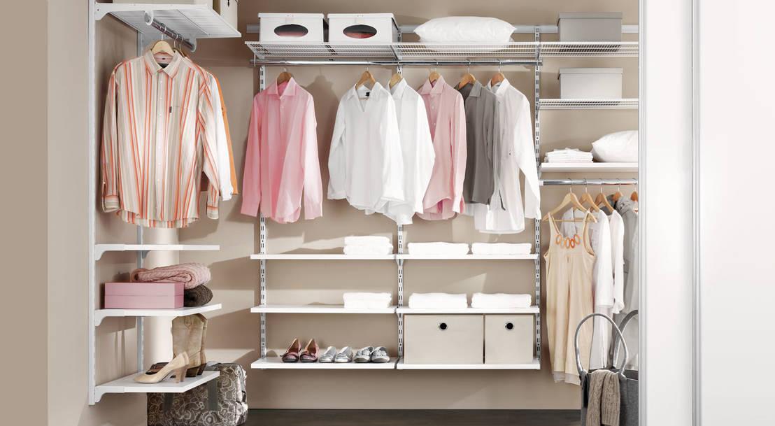 ankleidezimmer de regalraum gmbh homify. Black Bedroom Furniture Sets. Home Design Ideas