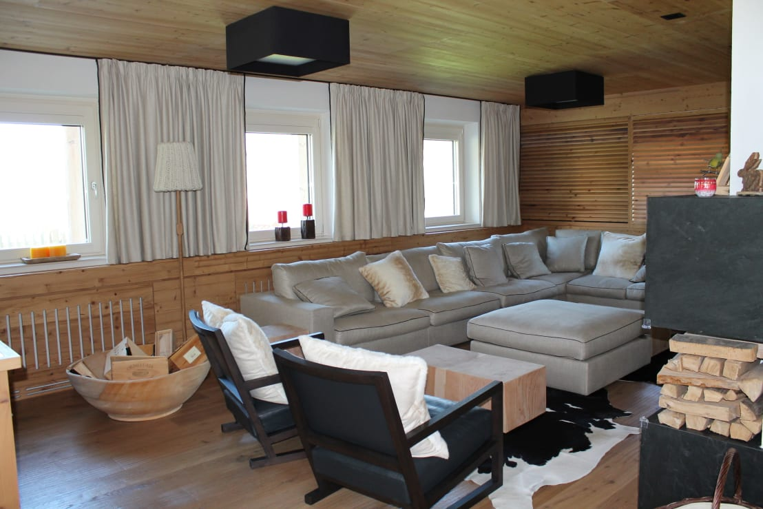 einfamilienhaus im chalet stil von room architecture homify. Black Bedroom Furniture Sets. Home Design Ideas