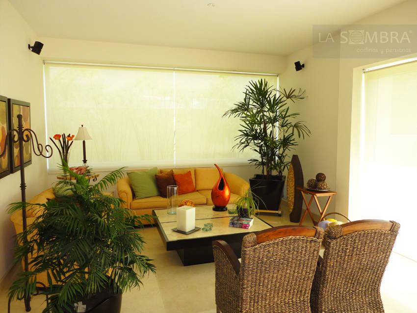 10 persianas enrollables para ventanas modernas y for Salas de bano modernas