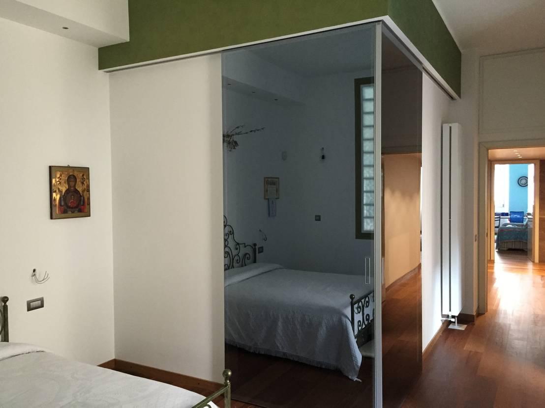 Cabina armadio di fausti cucine arredamenti homify for Camera da letto in stile cabina