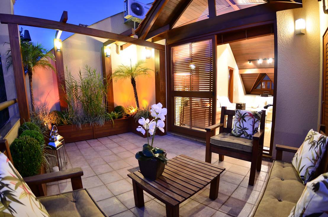 7 terrazas con hermosos juegos de mueble de madera for Juego de terraza de madera