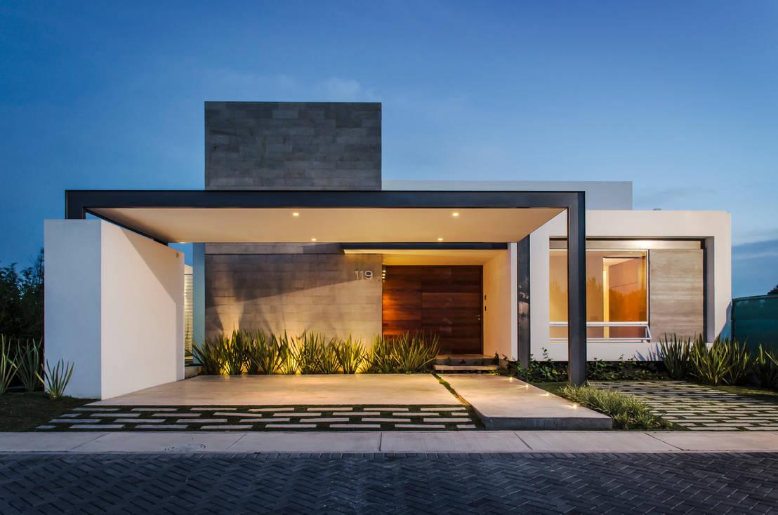 Fachadas de casas peque as por 10 arquitectos mexicanos for Colores para exteriores de casas pequenas