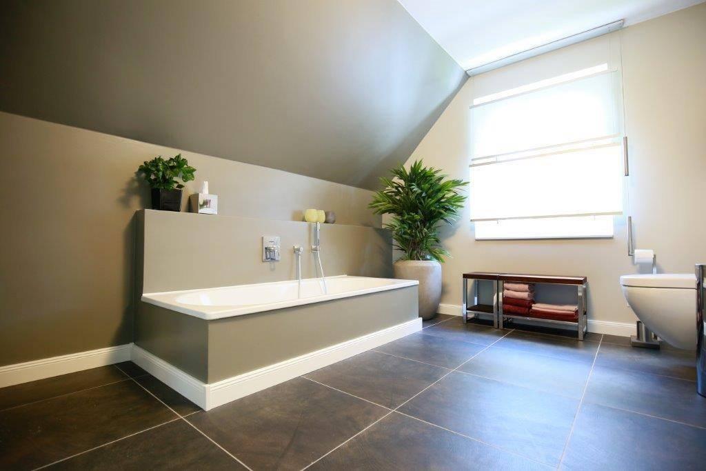 welcher boden f rs badezimmer. Black Bedroom Furniture Sets. Home Design Ideas