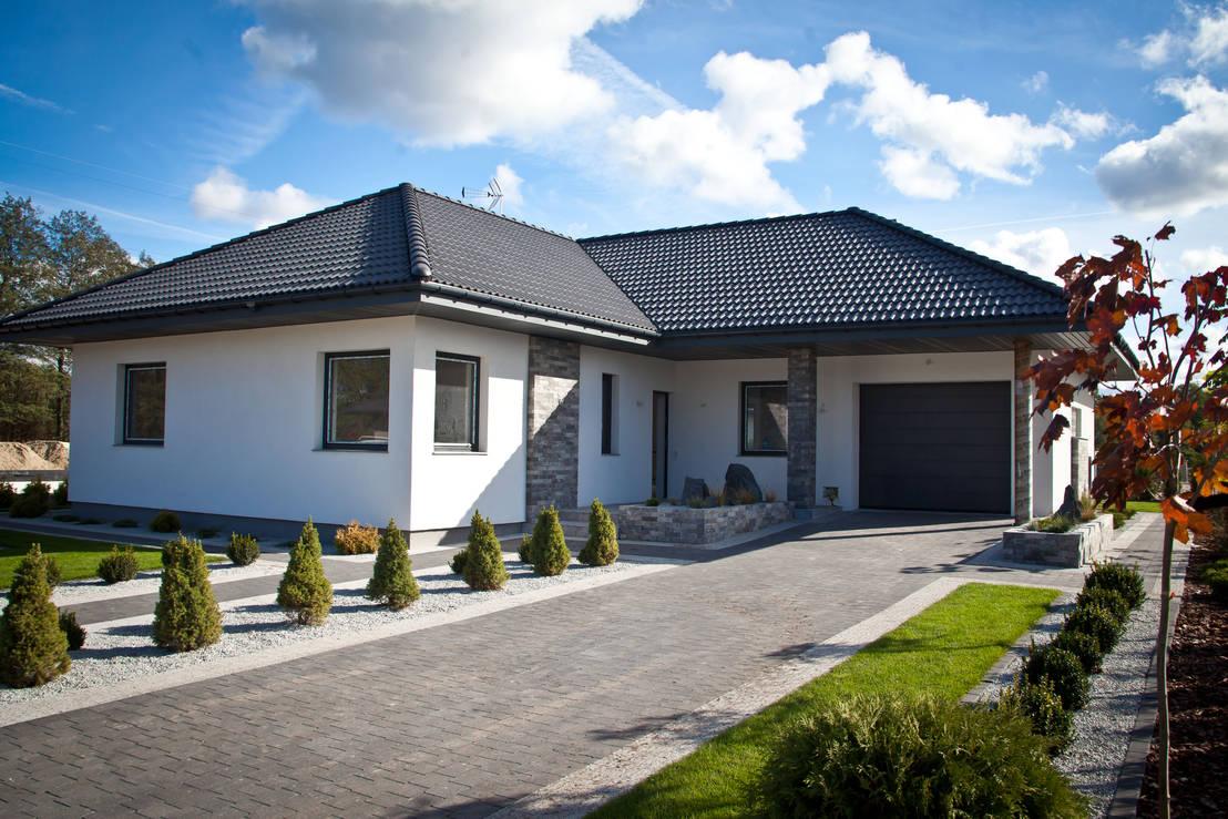 ein bungalow mit wundersch nem modernen interieur. Black Bedroom Furniture Sets. Home Design Ideas