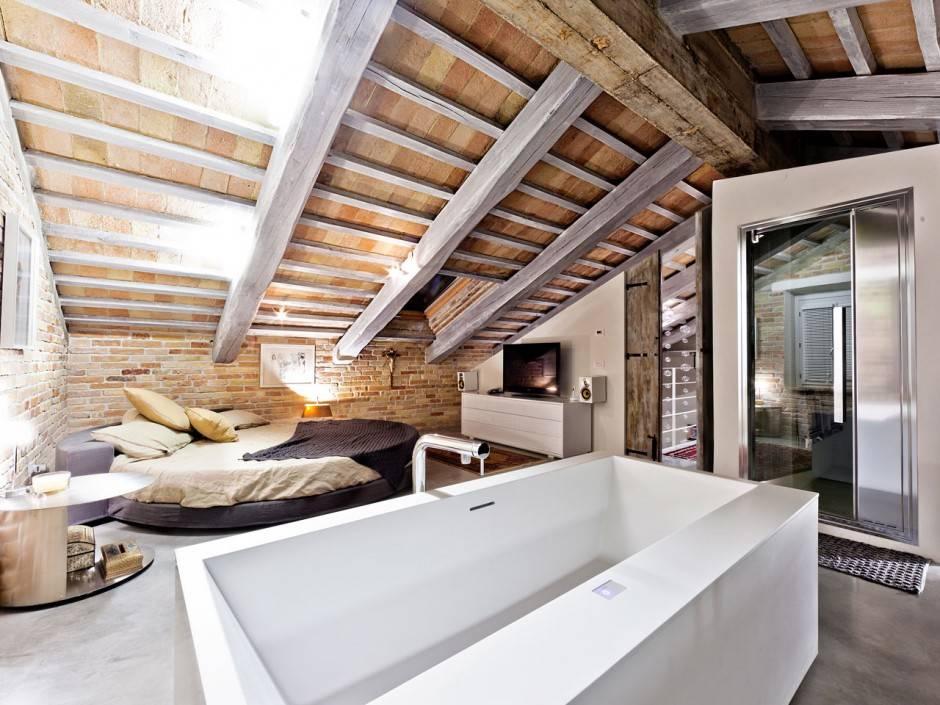 5 spettacolari camere da letto in mansarda - Camera da letto rustica moderna ...