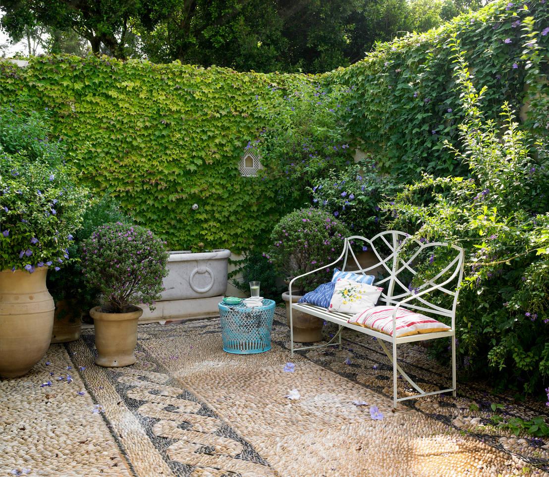 Patios peque os 7 ideas para optimizar el espacio - Suelos para jardines pequenos ...