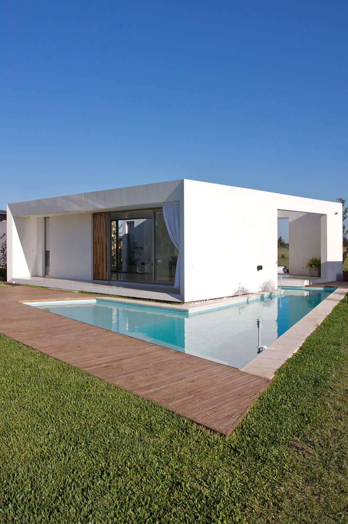 Proyecto de vismaracorsi arquitectos homify for Casa cubo minimalista