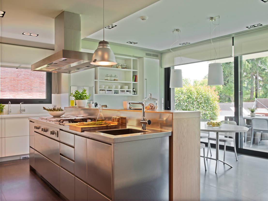 Cocina y planchador actuales de deulonder arquitectura for Cocinas actuales