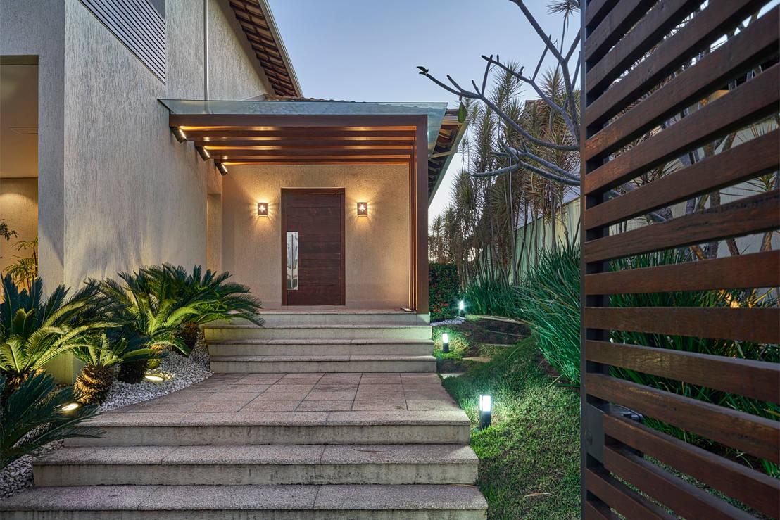 Eindrucksvolle vord cher f r den hauseingang for Casa moderna vetrate