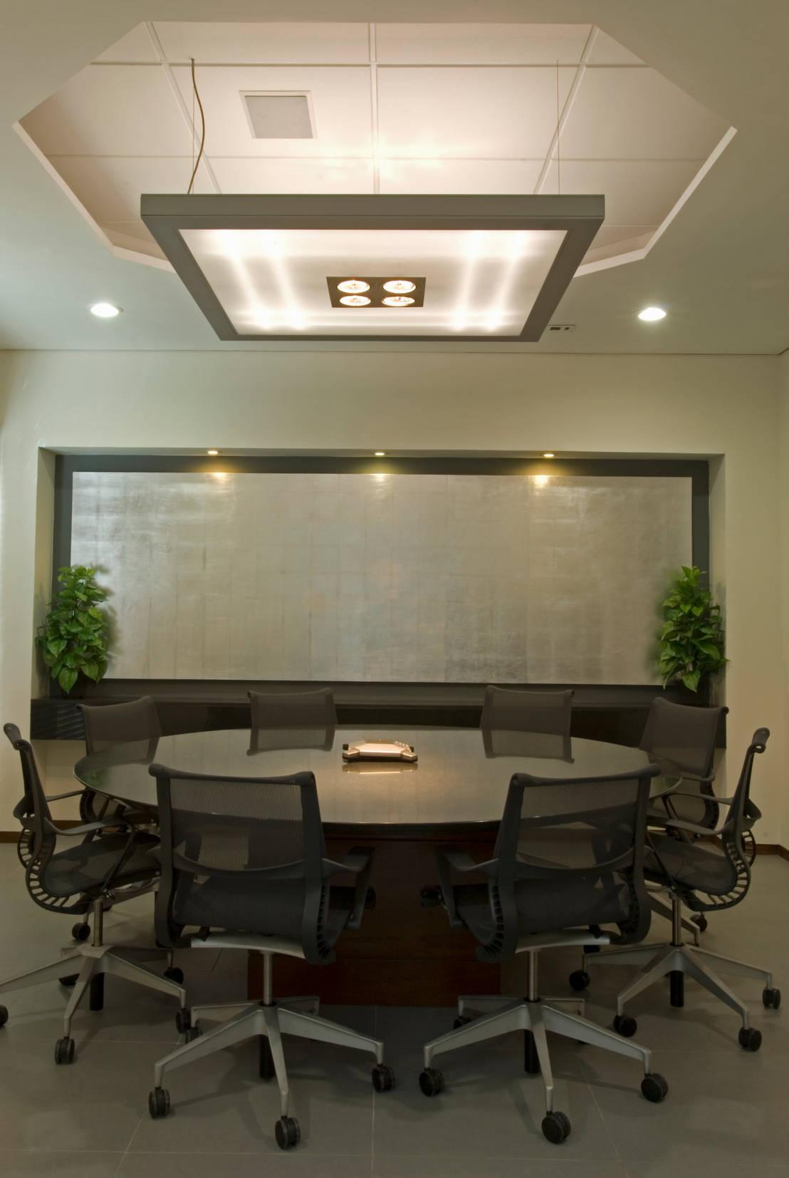 Oficinas imec de victoria plasencia interiorismo homify for Interiorismo oficinas