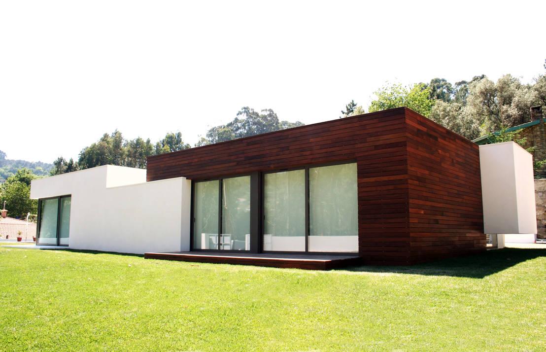 moderner flachdachbau mit charakter. Black Bedroom Furniture Sets. Home Design Ideas