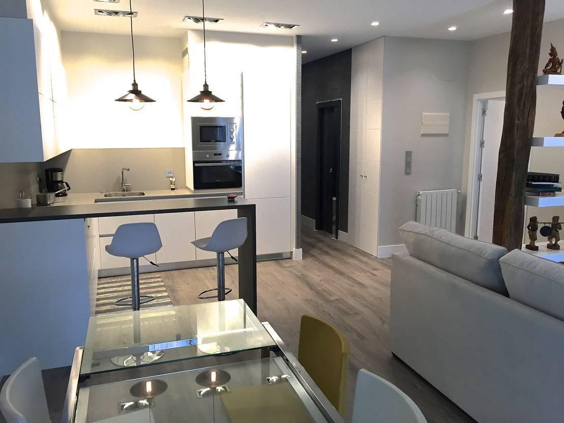 Una reforma elegante para un piso antiguo for Reformas de pisos antiguos