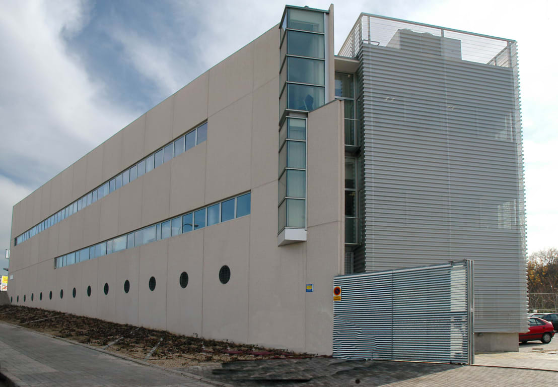 Centro de salud barrio del pilar iv madrid de beades arquitectos s a p homify - Centro de salud barrio del pilar ...