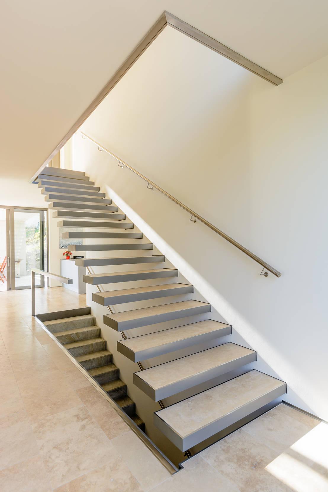 nautilus treppen gmbh co kg kragstufentreppe jena homify. Black Bedroom Furniture Sets. Home Design Ideas