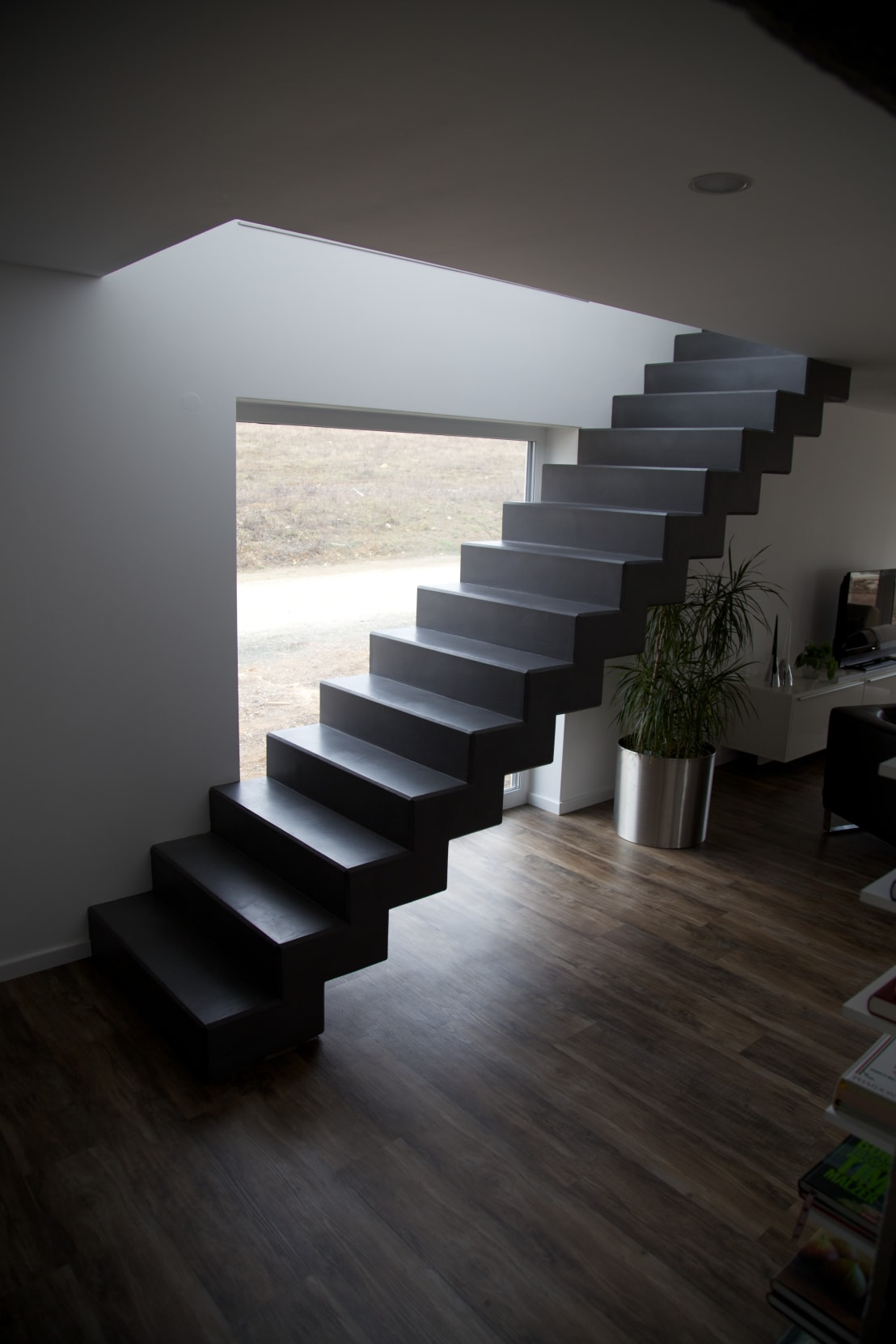 bad treppe arbeitsplatte und boden im betonlook von farbpunkt sobert ierardi gbr homify. Black Bedroom Furniture Sets. Home Design Ideas