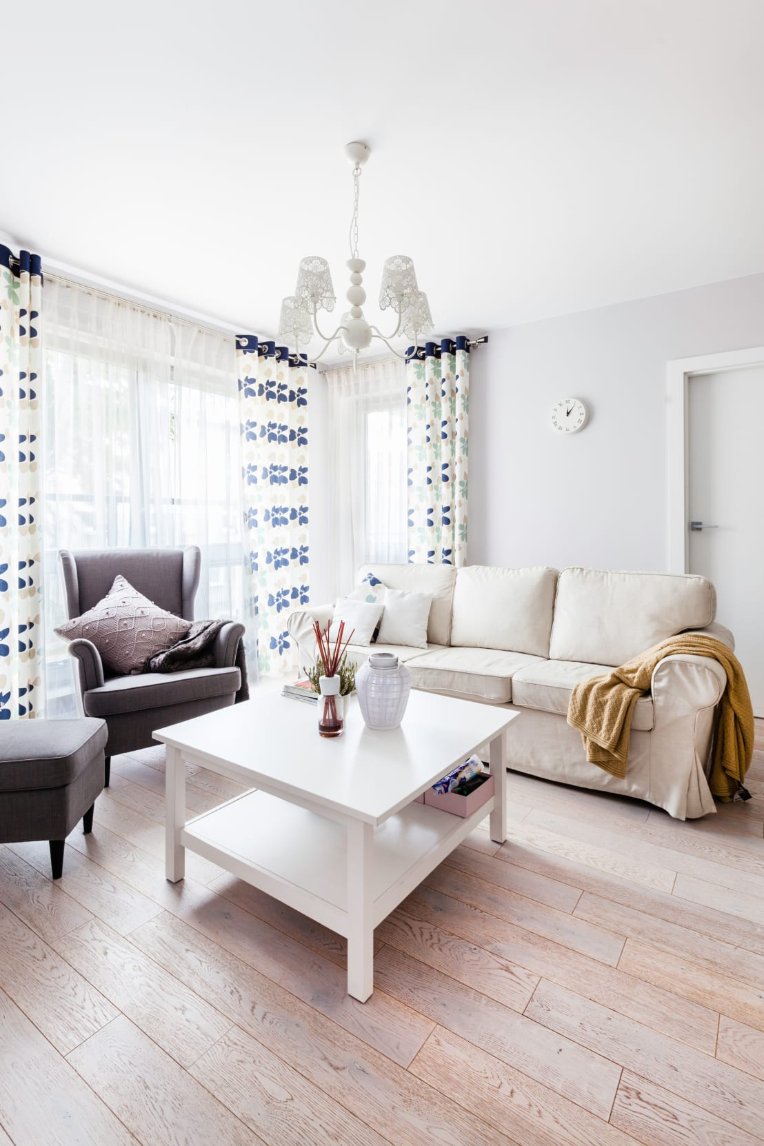 This beautiful apartment shows you how to use ikea for How to take apart ikea furniture