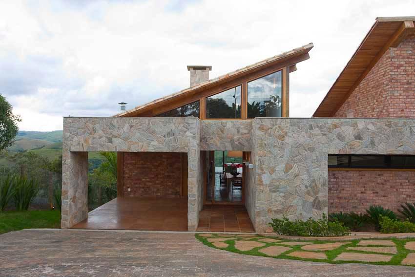 Una casa en piedra y madera muy especial - Casas de piedra y madera ...