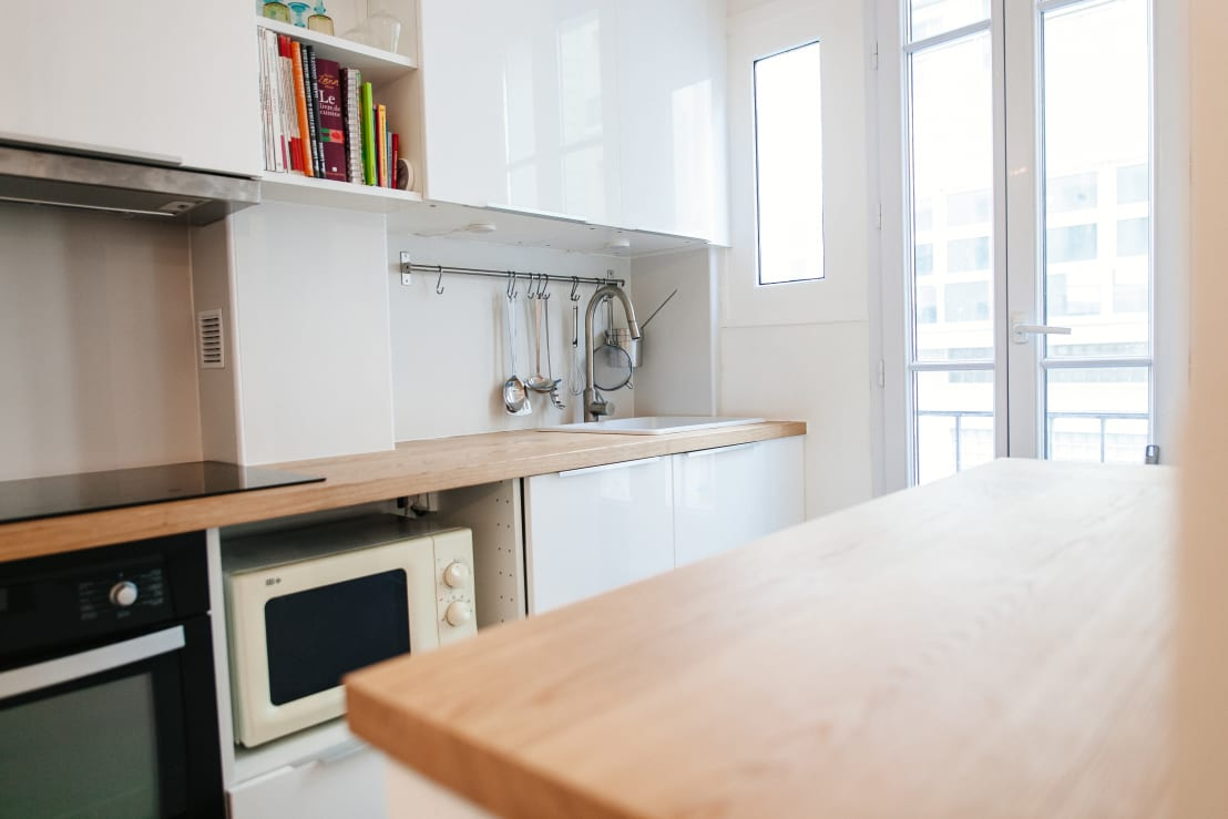 11 muebles de cocina para colocar tu microondas for Finestra scorrevole 4 metri