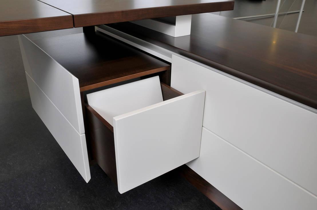 schreibtisch por fang interior design homify. Black Bedroom Furniture Sets. Home Design Ideas