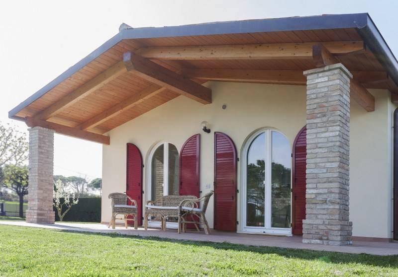 Casa in legno con tecnologia xlam finnjoist di protek srl for Case in stile meridionale con avvolgente portico