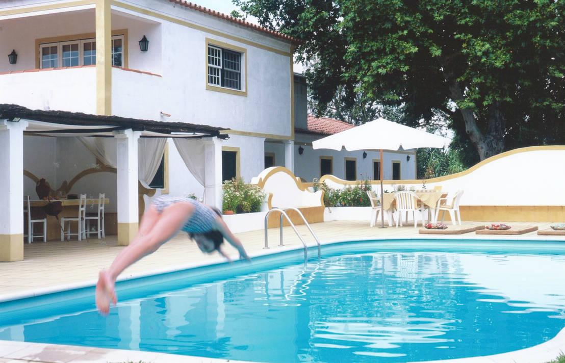 Mora por stoc casa interiores homify for W piscinas