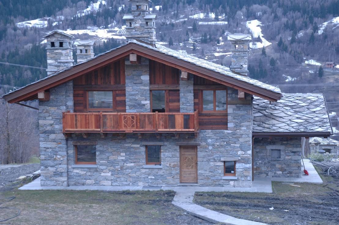Case di montagna di sangineto s r l homify for Foto di case