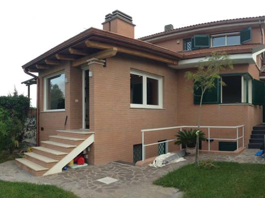 Ampliamento di una villetta di mbrstudio architetti homify for Immagini di case in stile artigiano