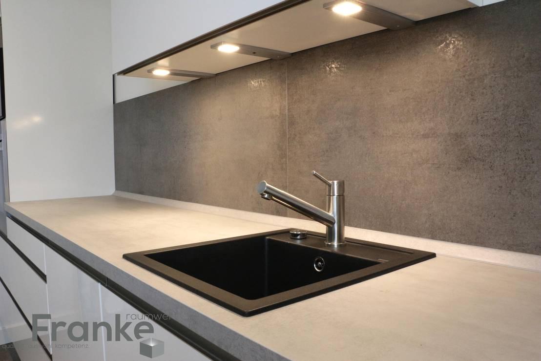 franke raumwert betonoptik in einer modernen k che homify. Black Bedroom Furniture Sets. Home Design Ideas