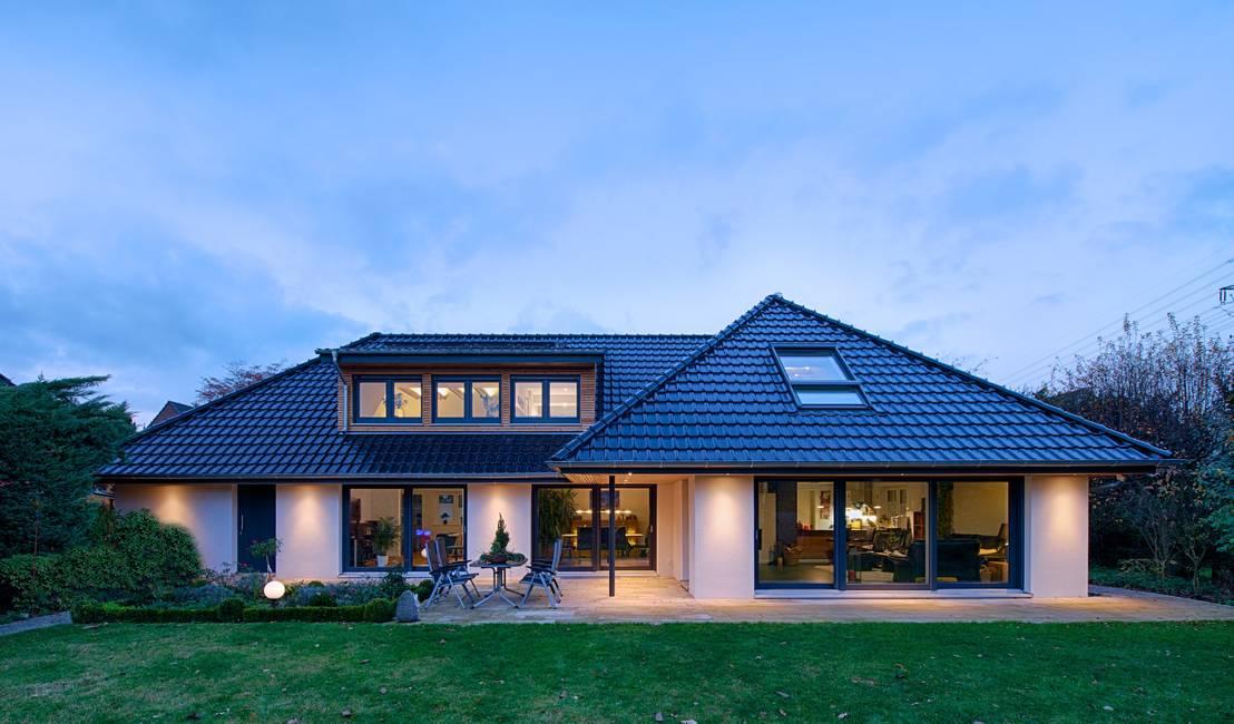 Design Und Architektur | Sanierung Eines Einfamilienhauses Von Grid Architektur Design Homify