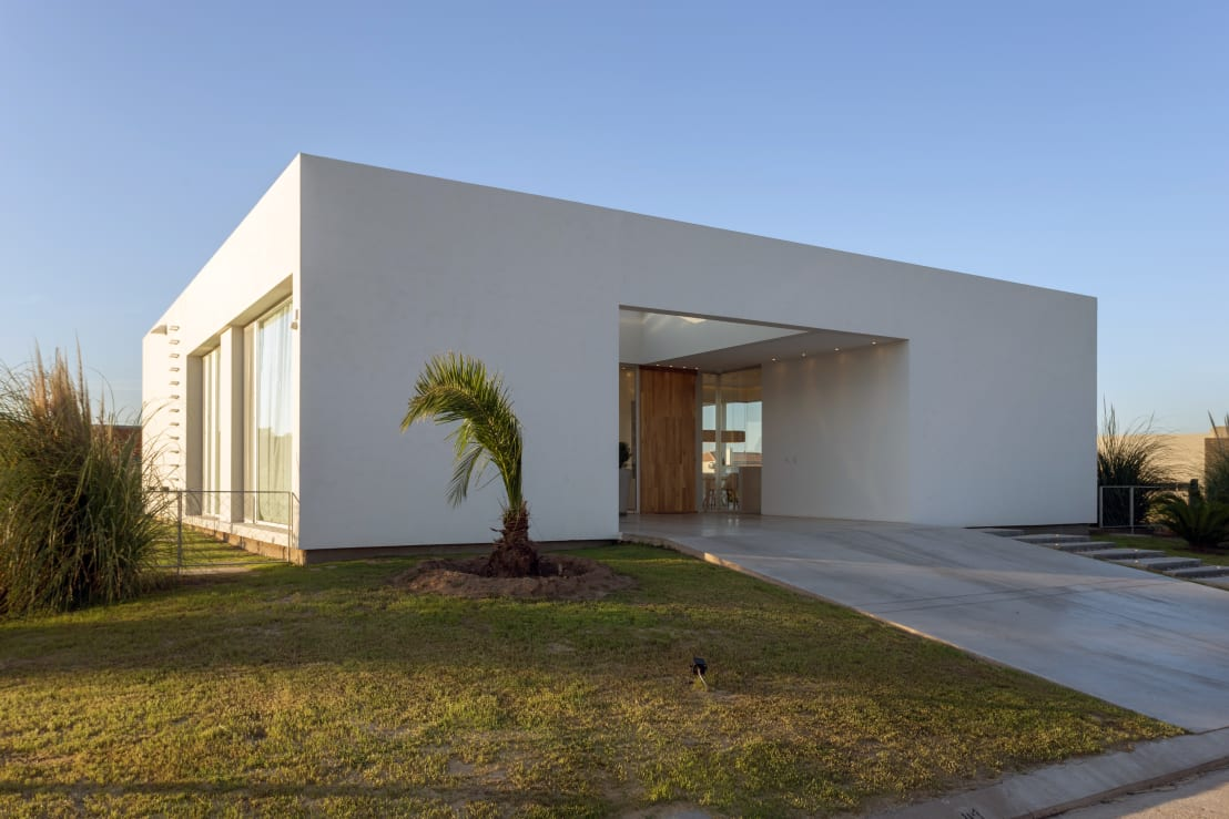 Casa vc barrio san sebasti n funes de vismaracorsi for Proyectos casas minimalistas