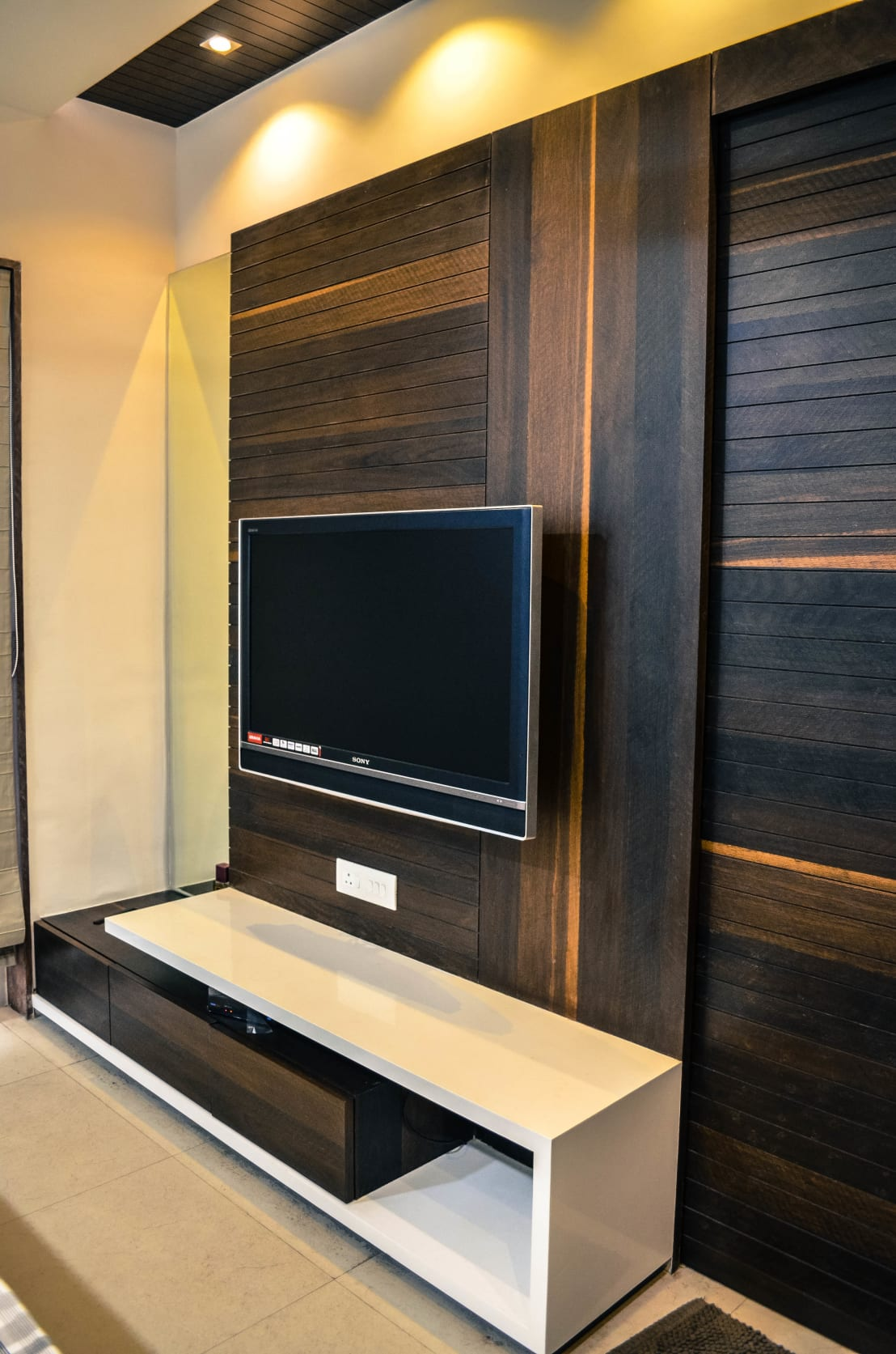 Interior for mr shah by maulik vyas architects homify for Bathroom accessories in ahmedabad