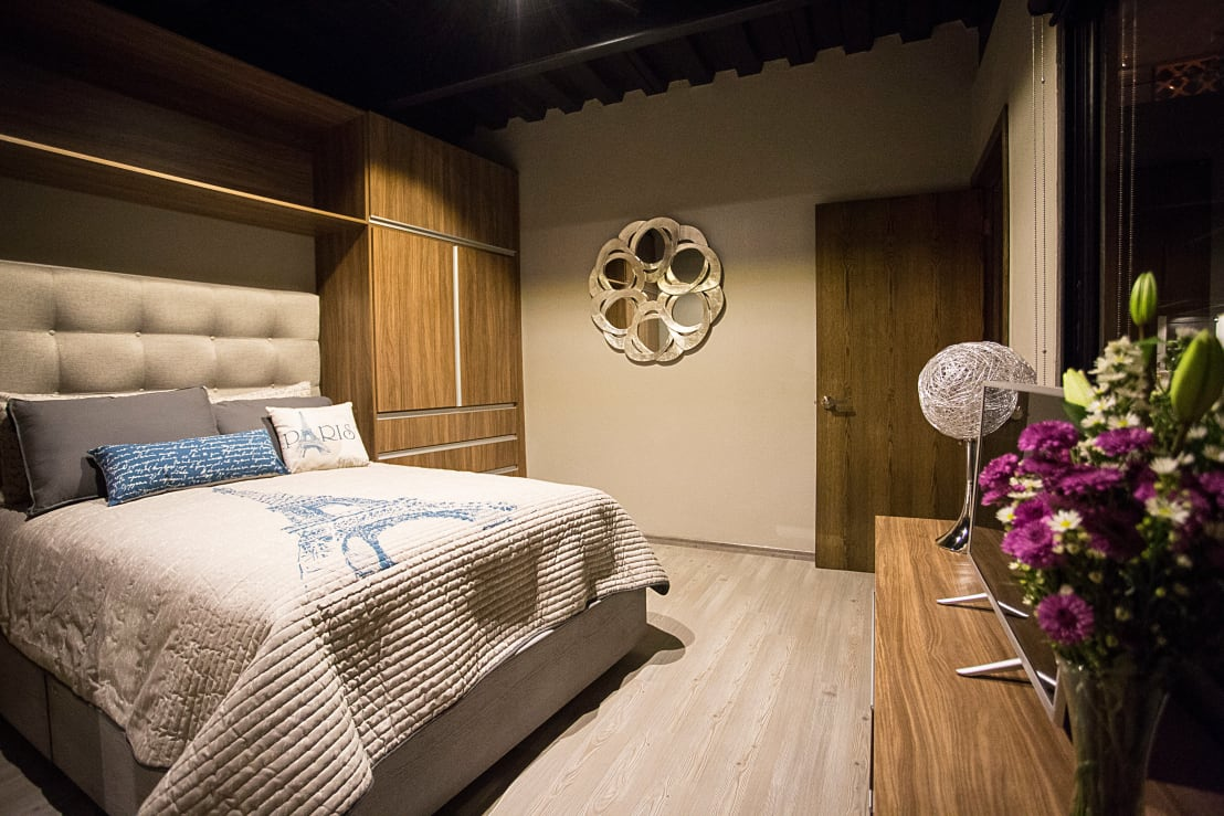 18 ideas con madera para que tu rec mara se vea fant stica for Disenos de espejos para habitacion