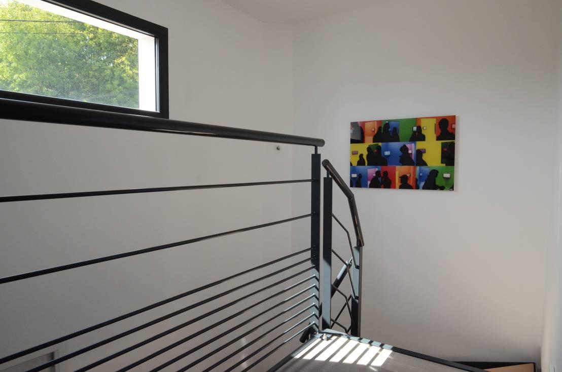 pierre bernard cr ation maison cubique ultra contemporaine dans le rh ne homify. Black Bedroom Furniture Sets. Home Design Ideas