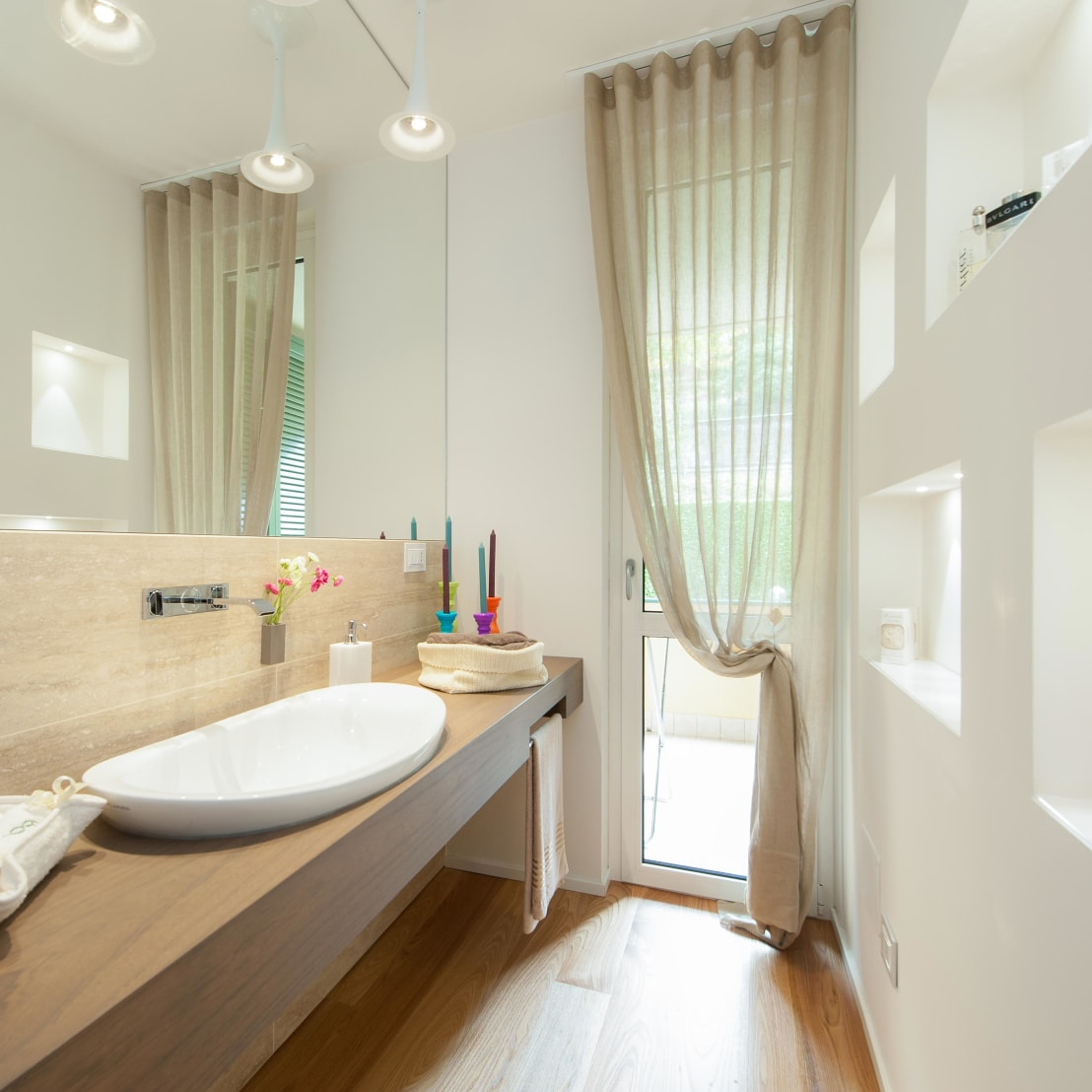 47 foto di bagni piccoli realizzati dai nostri migliori for Bagni arredati immagini