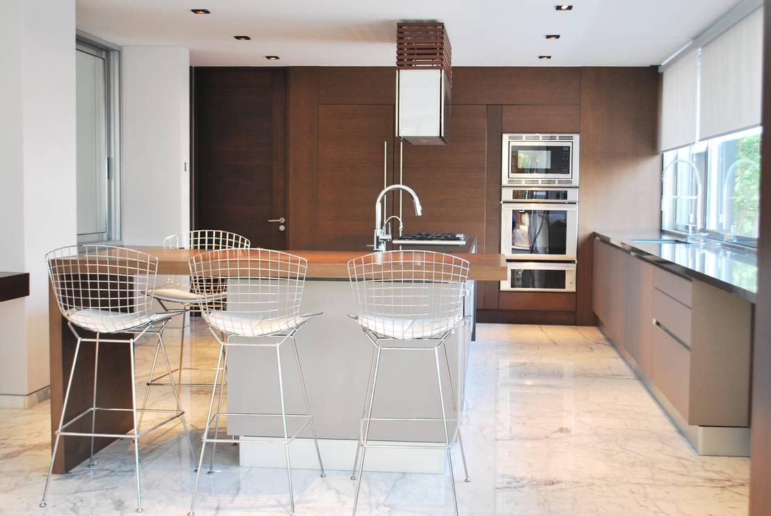 17 barras desayunadoras para que tu cocina se vea moderna for Barras modernas para living