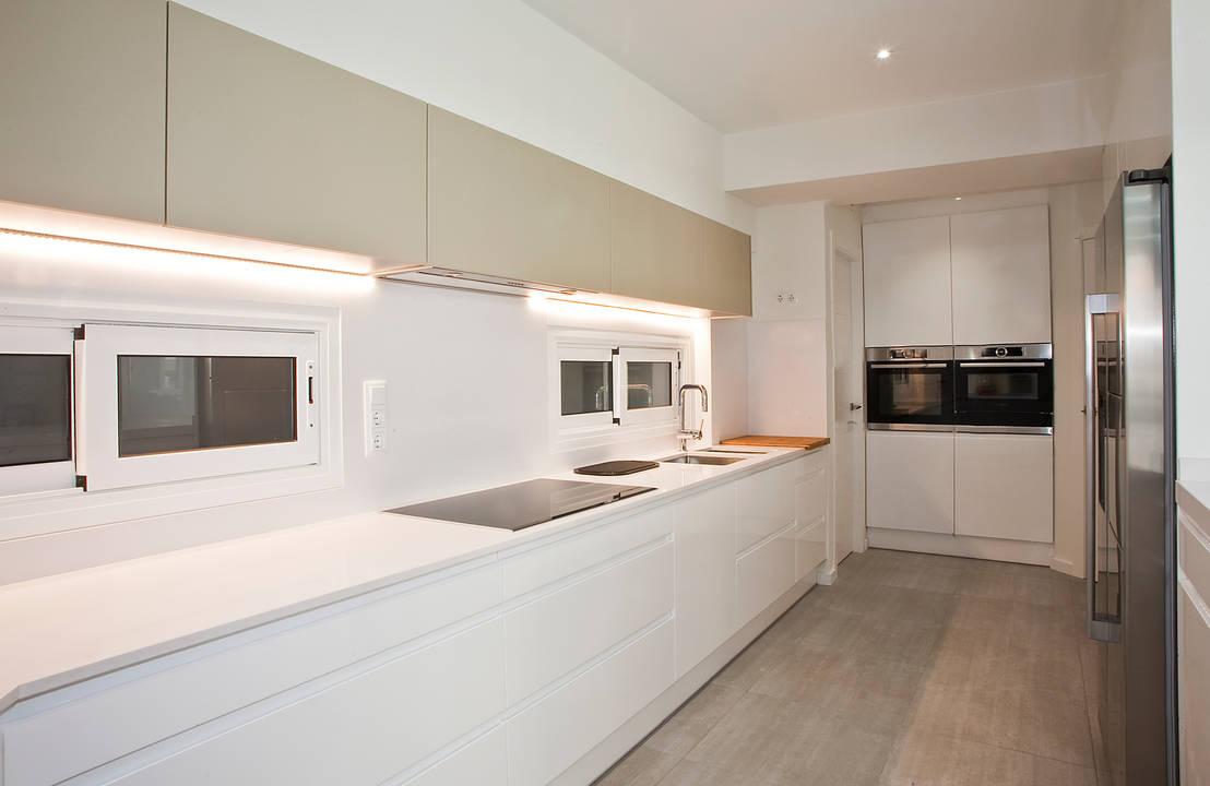 Un appartamento moderno ti svela 8 segreti da copiare for Distribucion cocina alargada