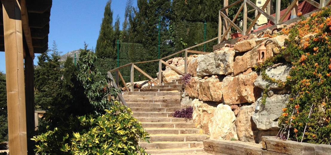 Vallas de madera y estructuras para jardines de vallados y for Estructuras de jardin