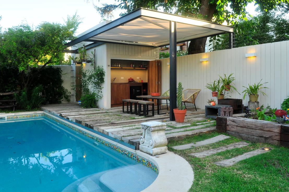25 bardas y cercos para delimitar tu terreno con estilo for Jardines modernos para casas