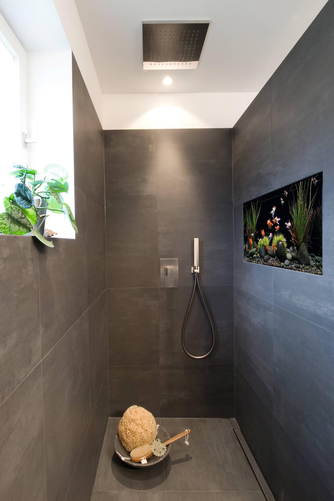 Für Meeresliebhaber: Bodengleiche Walk-In-Dusche mit integriertem ...