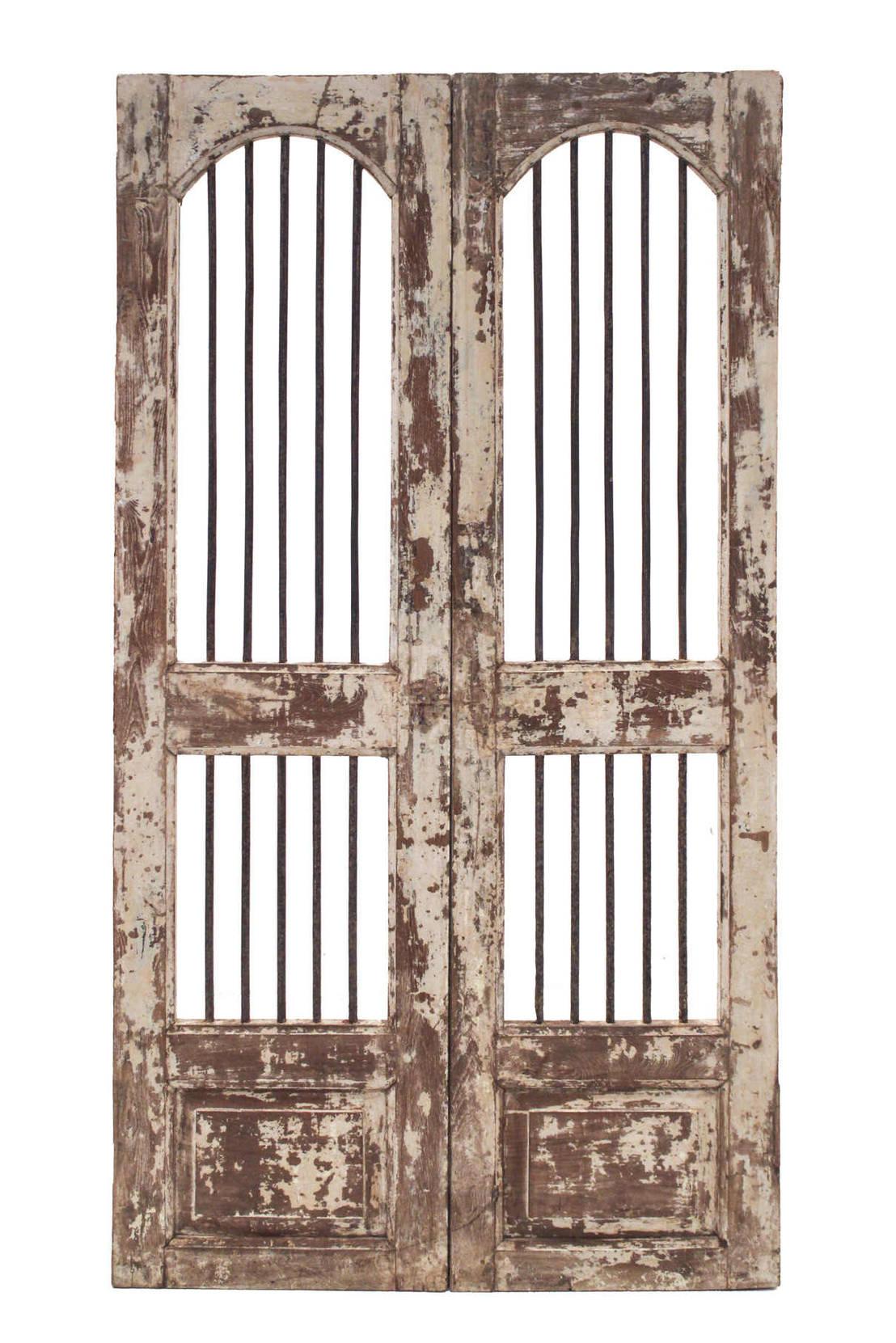 Puertas antiguas de madera de teca de conely homify Puertas de madera antiguas