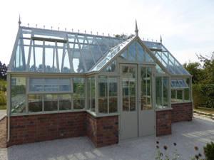 Englisches Gartenhaus aus massivem Stahl von Exklusive