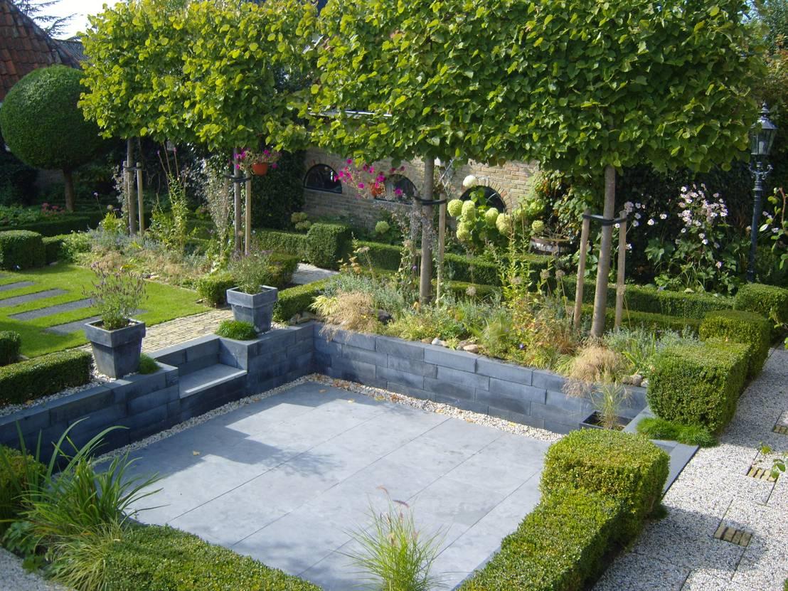 moderne zitkuil in eigen tuin van tuinontwerper joke