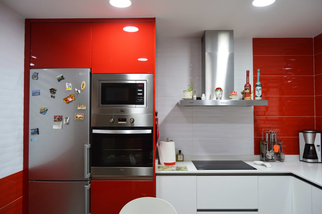 Rojo ferrari de estudio de cocinas musa homify for Cocinas ferrati
