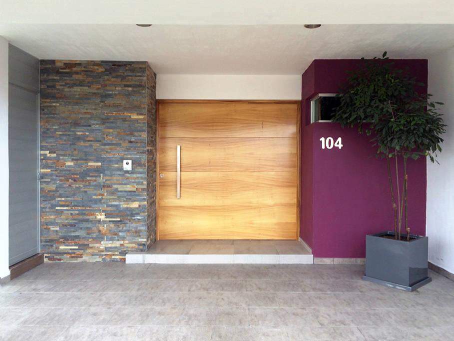 15 puertas principales fant sticas for Puertas de madera minimalistas