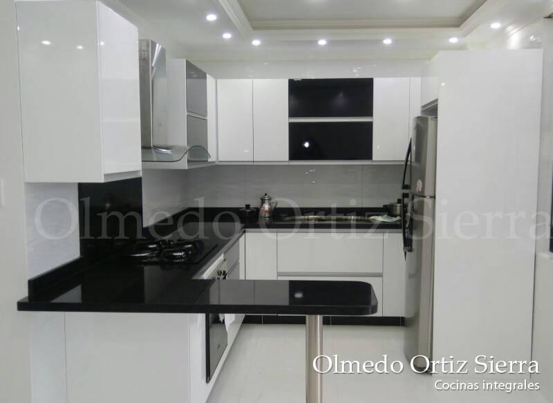 Cocina integral para espacios reducidos de cocinas for Cocinas modernas para espacios pequenos