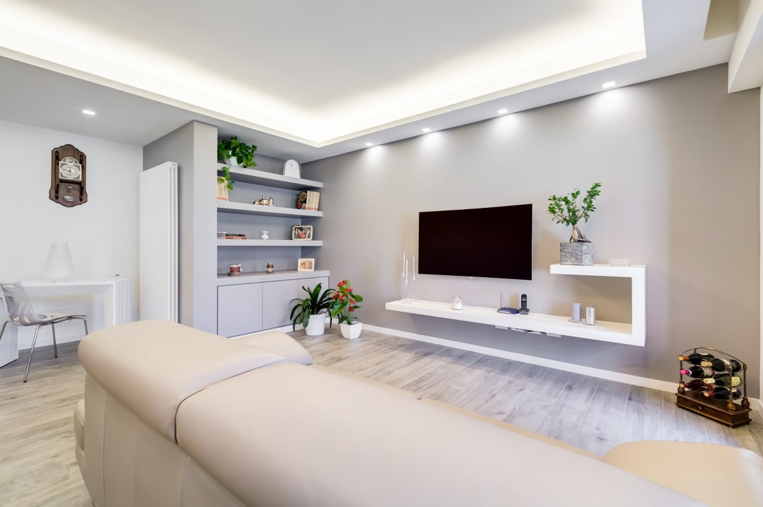 18 ideas de estantes y repisas para que tu casa se vea for Foto living moderni
