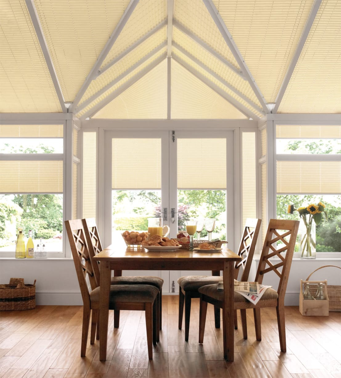conservatory blinds roof blinds by thomas sanderson homify. Black Bedroom Furniture Sets. Home Design Ideas