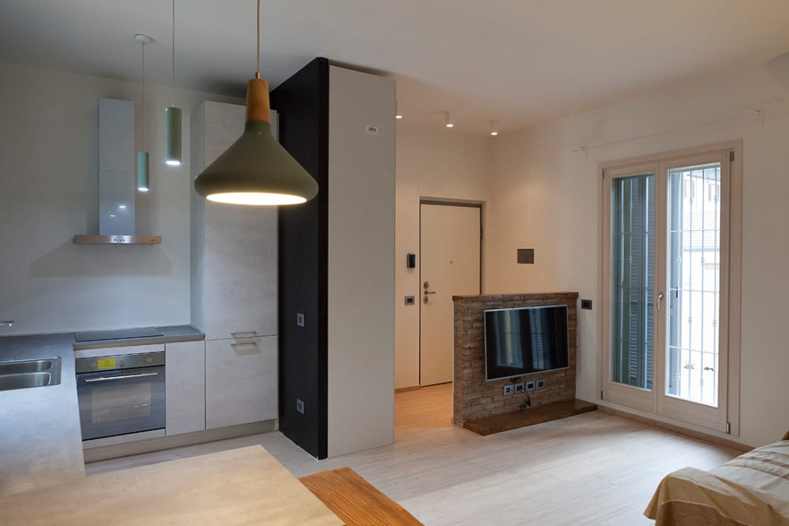 Un appartamento piccolissimo che ha pi spazio dopo la - Di como cocinas ...