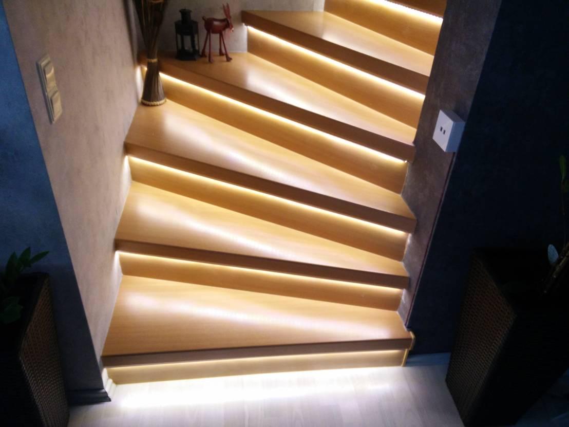 automatische treppenbeleuchtung f r leds oder led streifen inkl bewegungssensoren und. Black Bedroom Furniture Sets. Home Design Ideas