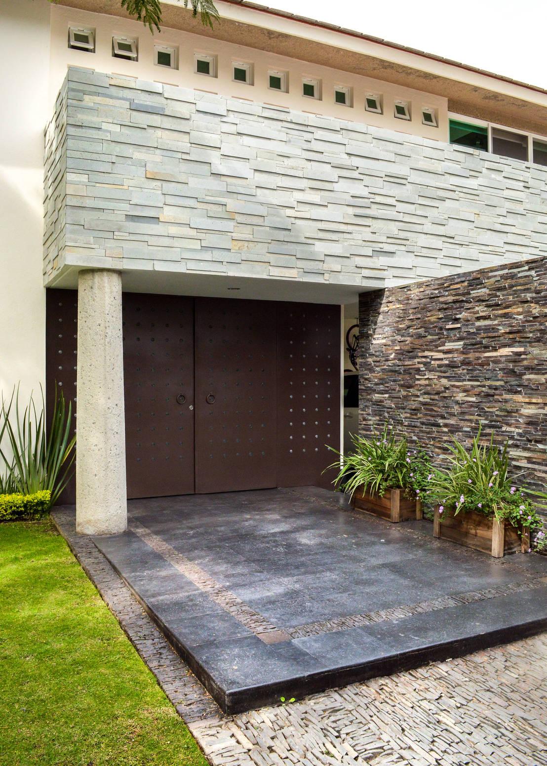 13 ideas con piedra para remodelar la entrada de tu casa ya for Como remodelar tu casa